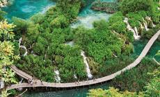 Chorwacja, Oprócz jezior i wodospadów atrakcją Parku Narodowego Jezior Plitwickich są też jaskinie
