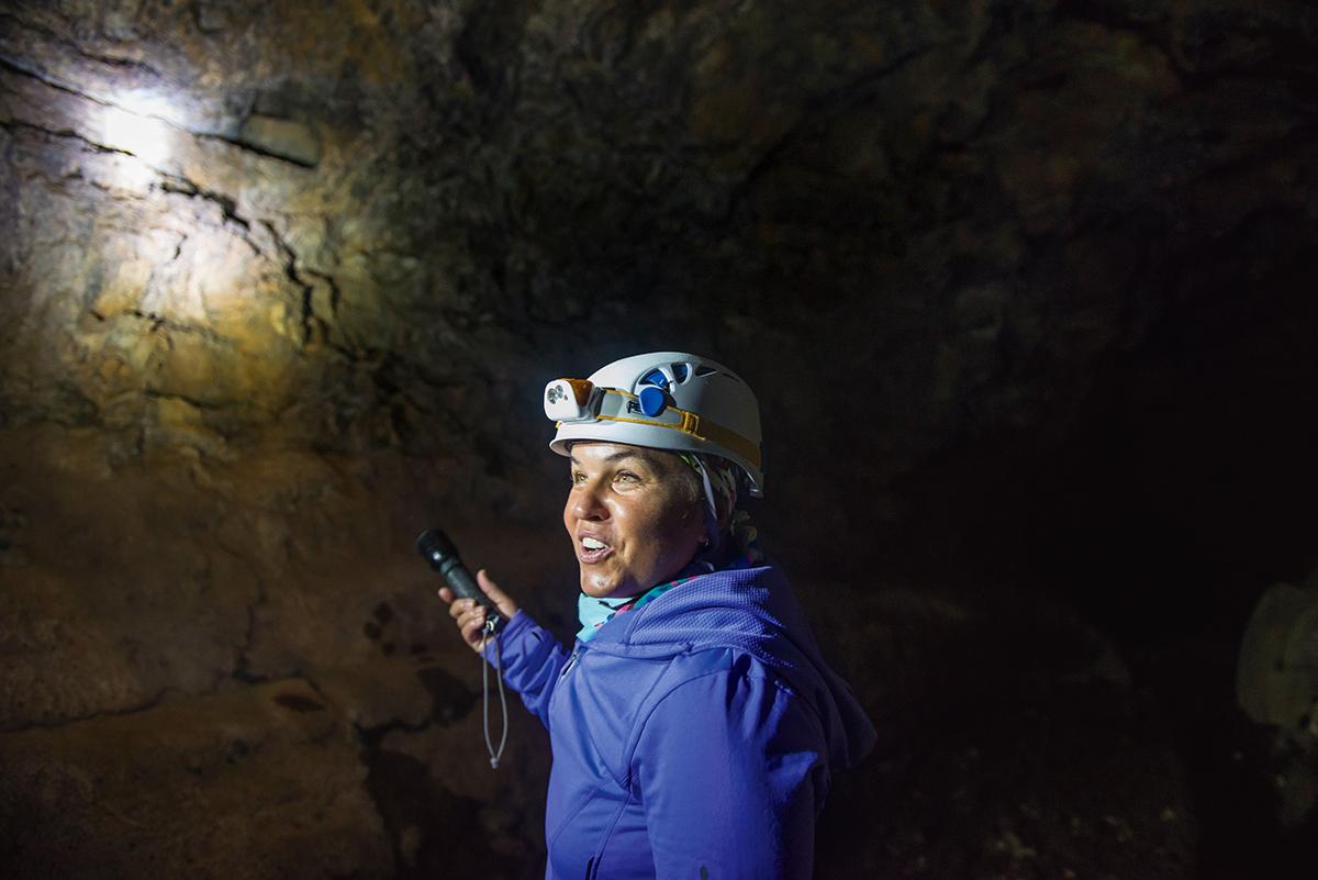 Monika Wroniecka oprowadza po Cueva del Viento (Jaskini Wiatrów)